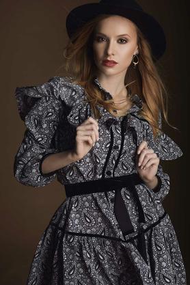 Sukienka z falbanami krótka szara PROJEKTANT VerityHunt