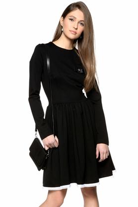 Sukienka rozkloszowana z haftowaną koronką PROJEKTANT Kasia Miciak
