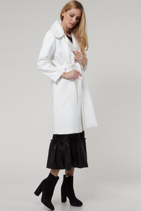 Płaszcz z paskiem ecru PROJEKTANT Yuliya Babich