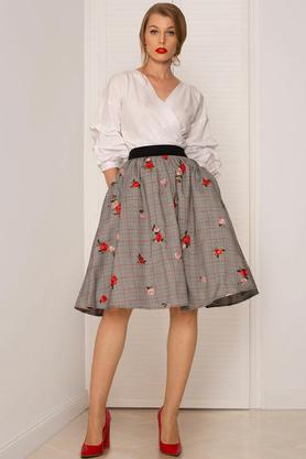 Spódnica w haftowane róże PROJEKTANT Kasia Miciak
