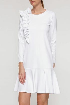 Sukienka z falbaną i aplikacją biała PROJEKTANT Yuliya Babich