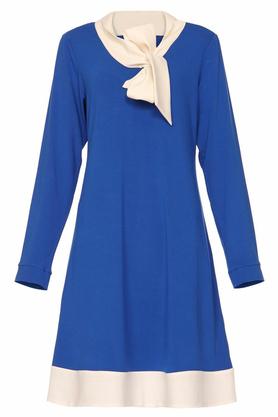 Sukienka trapezowa z krawatem niebieska PROJEKTANT Yuliya Babich