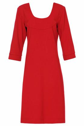 Sukienka z dekoltem czerwona PROJEKTANT Yuliya Babich