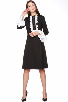 Sukienka z żabotem czarna PROJEKTANT VerityHunt